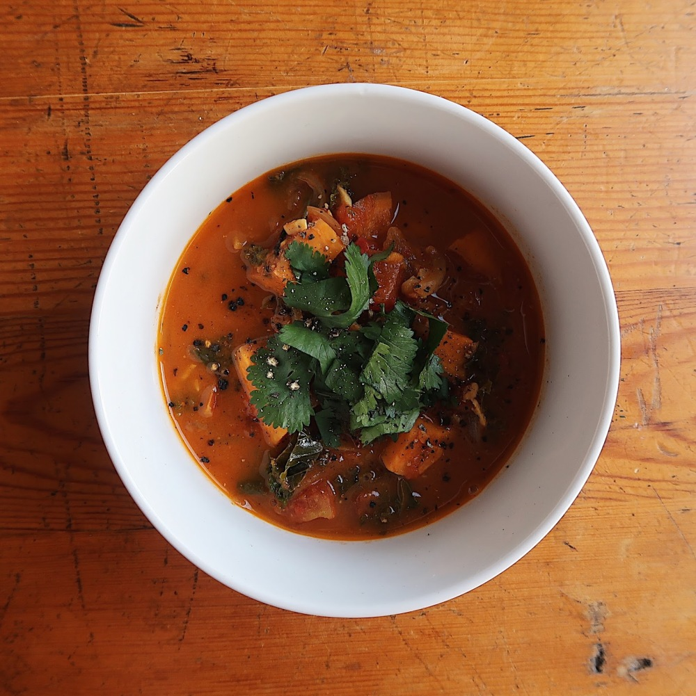 Spicy peanut soup - vegan and gluten free