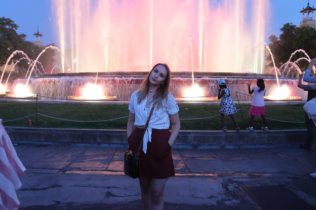 me stood in front of the magic fountain, barcelona
